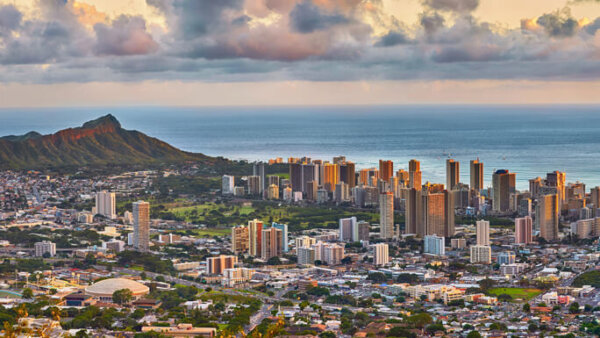 タンタラスの丘【ワイキキの絶景を楽しめるハワイNo.1の夜景展望台】